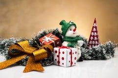 Kerstmismateriaal met lichte achtergrond Stock Afbeeldingen