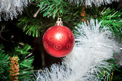 Kerstmisornamenten, klokken, sterren, ballen, de lusjes van Kerstmiskronen, boom, vakantie, nieuw jaar, decoratie voor Kerstbomen Stock Foto