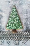 Kerstmispeperkoek in de vorm van een spar Stock Afbeelding