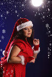 Kerstmisportret van mooi plus grootte jonge vrouw Stock Foto