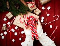 Kerstmissamenstelling, concept nieuw jaar Dozen van verrassingen, Stock Fotografie