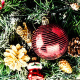 Kerstmissamenstelling met decoratie op witte backgr wordt geïsoleerd die Royalty-vrije Stock Afbeelding