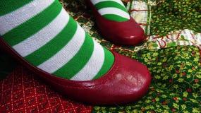 Kerstmissokken en rode schoenen Royalty-vrije Stock Foto