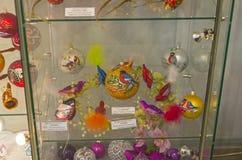 Kerstmisspeelgoed in de vorm en met het beeld van de vogels Royalty-vrije Stock Fotografie