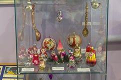 Kerstmisspeelgoed in de vorm van poppen Royalty-vrije Stock Fotografie