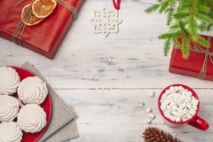 Kerstmisstilleven met zefier en hete drank royalty-vrije stock foto