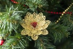 Kerstmisstuk speelgoed, gouden vogel Stock Afbeelding