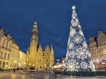 Kerstmistijd bij avond op marktvierkant in Wroclaw, Polen royalty-vrije stock foto's