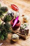 Kerstmistoebehoren in uitstekende stijl Stock Fotografie