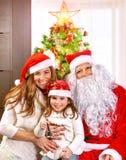 Kerstmisviering thuis Stock Afbeeldingen