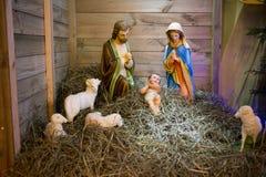 Kerstmisvoederbak Stock Afbeeldingen