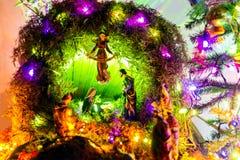 Kerstmisvoederbak, kleurenlicht stock fotografie