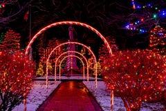 Kerstmisweg onder de bogen van het suikergoedriet royalty-vrije stock foto