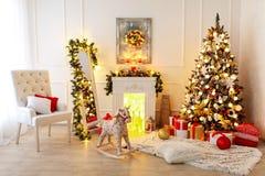 Kerstmiszaal Binnenlands Ontwerp stock afbeelding