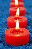 Kerze auf Badekurortsalz Stockfotografie