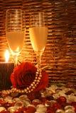 Kerze beleuchtetes Angebot Lizenzfreies Stockbild