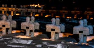 Kerze beleuchtetes Kriegsdenkmal lizenzfreie stockbilder