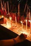 Kerze beten Lizenzfreies Stockbild