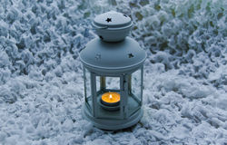 Kerze in einem Kerzenhalter Stockfotografie