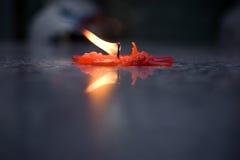 Kerze in einem Tempel Lizenzfreie Stockfotos