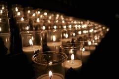 Kerze in einer Kirche Stockfotografie