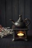 Kerze gefahrene verbreitete ätherische Öle der Aromalampe Stockbild