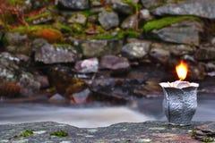 Kerze im Wind Lizenzfreie Stockfotografie