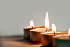 Kerze-Leuchte stockfotografie