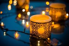 Kerze mit Licht Lizenzfreies Stockfoto