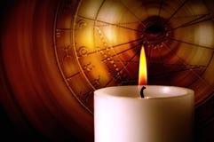 Kerze mit Tierkreis Lizenzfreie Stockfotos