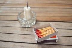 Kerze und Match Stockfotografie