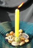 Kerze und Oberteile Lizenzfreies Stockfoto