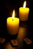 Kerze und Vlies Lizenzfreie Stockfotos
