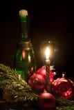 Kerze- und Weihnachtenbaumdekorationen Lizenzfreie Stockfotografie
