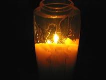 Kerze verziert mit Engelsmuster Lizenzfreie Stockfotos