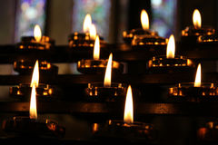 Kerzen beten Meditations-Hintergrund, Entspannung Lizenzfreie Stockfotografie
