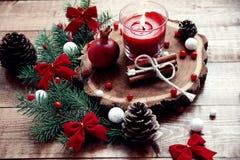 Kerzen der Weihnachtstabelle decoration Stockfotografie