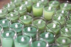 Kerzen in einem Glas Stockbilder