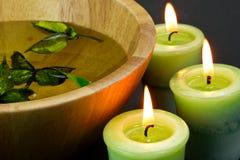 Kerzen im Badekurort Stockbild