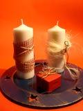 Kerzen und Geschenk Lizenzfreies Stockbild