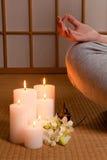 Kerzen und Meditation Stockfotos