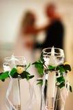 Kerzen und Paare stockfotos