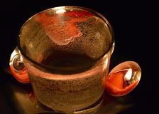 Kerzen und Wasser Stockfoto