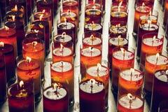 Kerzen vom chinesischen Tempel stockbild