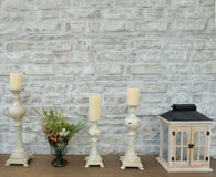 Kerzenhalter auf dem Tisch Stockfoto