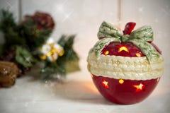 Kerzenständer in Form von neues Jahr ` s Apfel Lizenzfreies Stockfoto