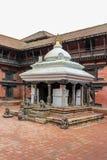 Keshav纳拉扬Chowk在Patan博物馆的,尼泊尔一个庭院里 免版税库存图片