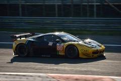 Kessel som springer Ferrari 458 Italia GT2 på Monza Royaltyfri Bild