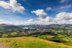Keswick och sjön Derwent bevattnar panorama från Latrigg, Cumbria, U Fotografering för Bildbyråer