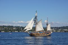 The ketch, Hawaiian Chieftain, sails on Lake Washington Royalty Free Stock Images
